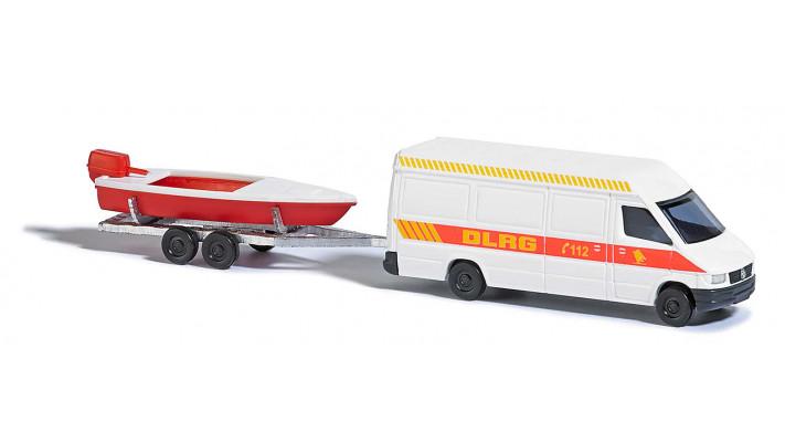 Mercedes Sprinter avec bateau hors-