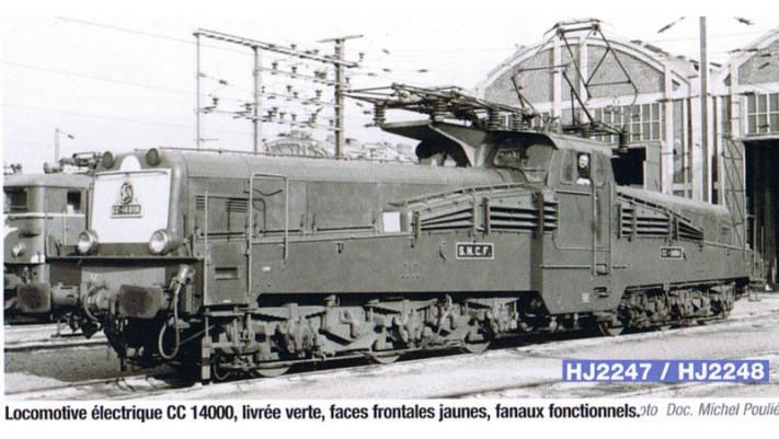Locomotive électrique CC14000 livrée verte, faces frontales jaunes #