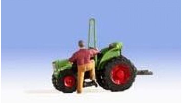 Tracteur étroit
