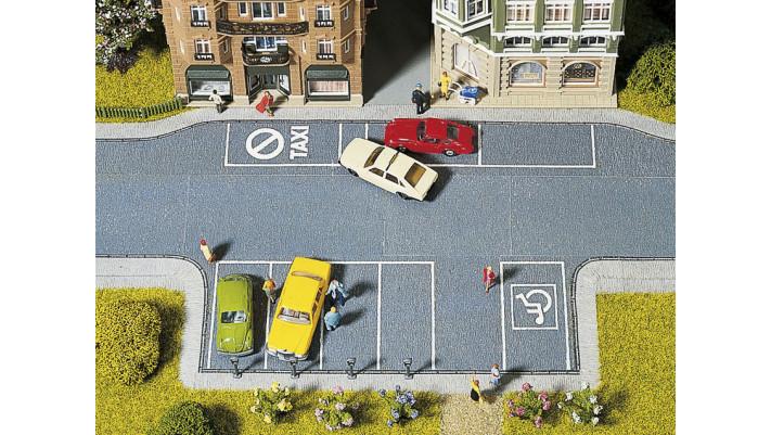 Parking + 4 parc-mètres, 20 x 10 cm