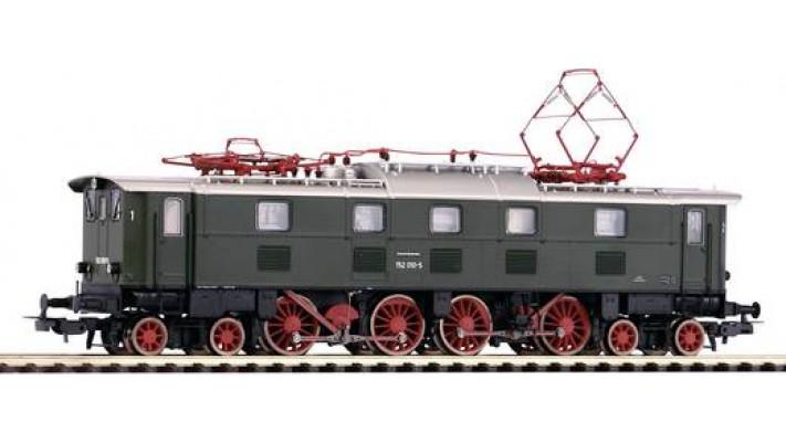 LOCO BR 152  DB