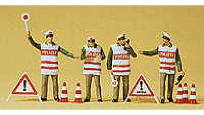 policiers avec gilet de signalisati