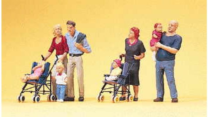 parents avec enfants et pousette