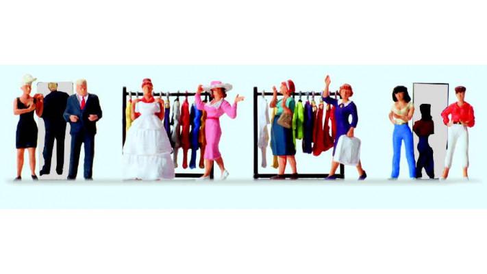 dans un magasin de mode
