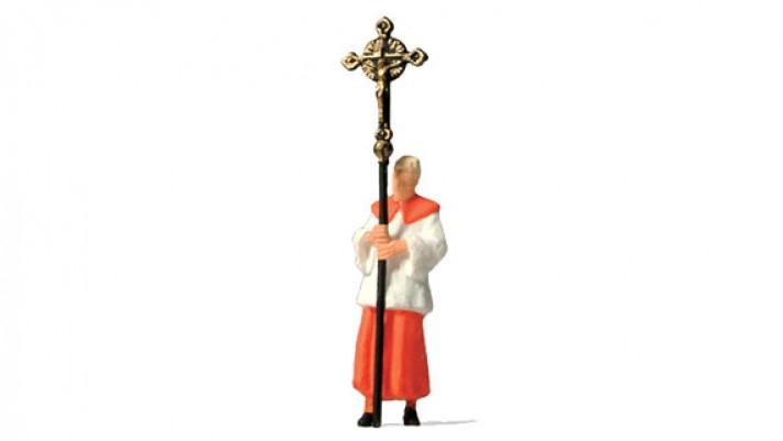 vicaire portant la croix