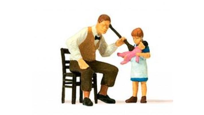 pédiatre et fillette