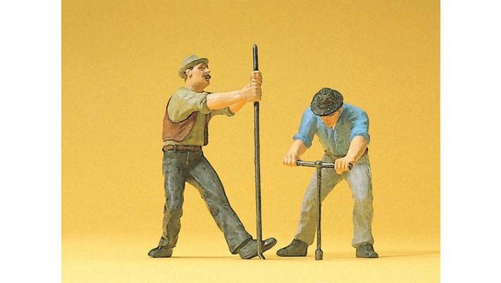 2 ouvriers de la voie avec accès.