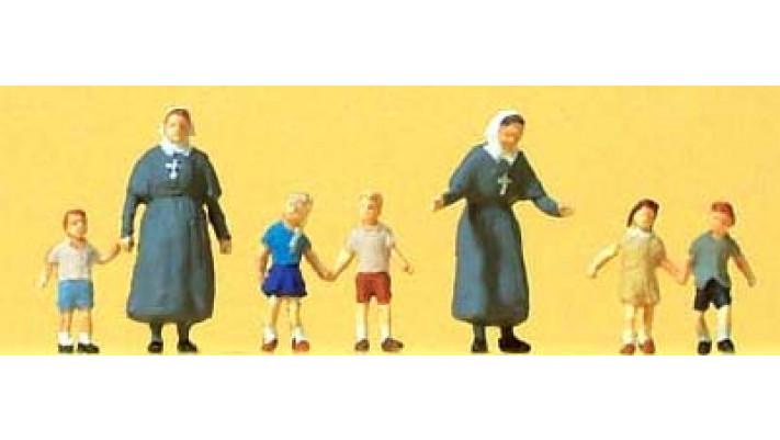 soeurs protestantes avec enfants