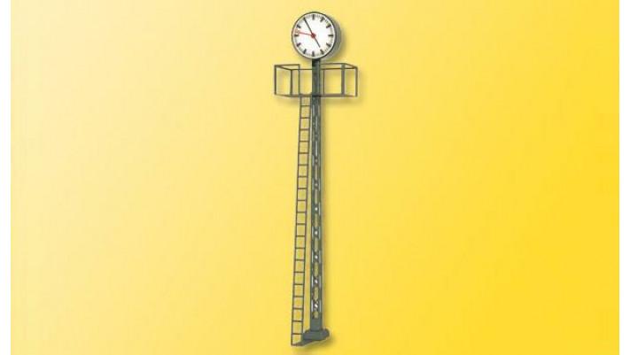 H0 Beleuchtete Bahnhofsuhr, auf Gittermast, 110 mm