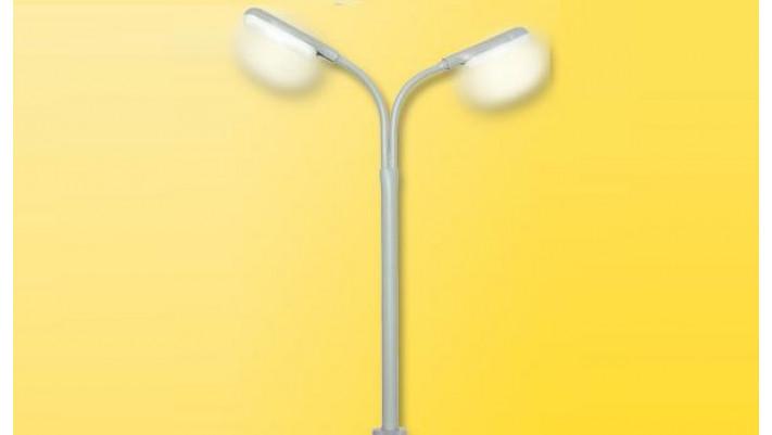 H0 Peitschenleuchte doppelt, LED weiß