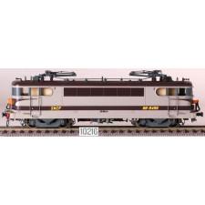 SNCF BB 9496, gris/brun/orange, Arzens, logo gras  /  Ep. IV-V /  SNCF