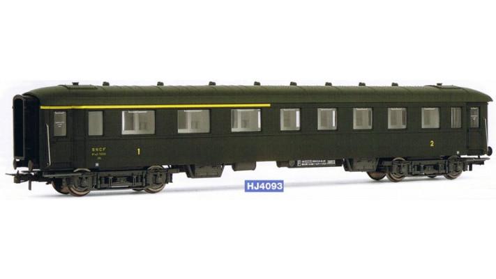 Voiture mixte 1ère/2ème classe ex de la SNCF, époque III #