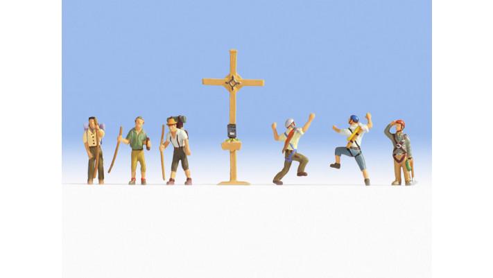 Randonneurs avec croix