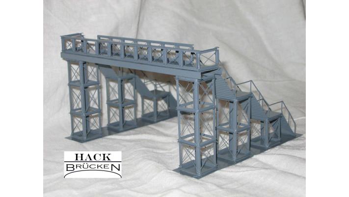 F1 - Fußgängersteg (mit Treppenaufgängen) , grau