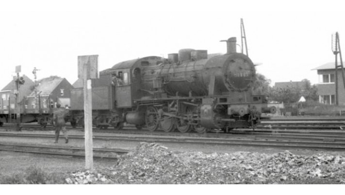 SNCB, class 81, 3-dome symetrical boiler, dark green livery, period II