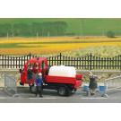 Scénette distribution d'eau par les pompiers